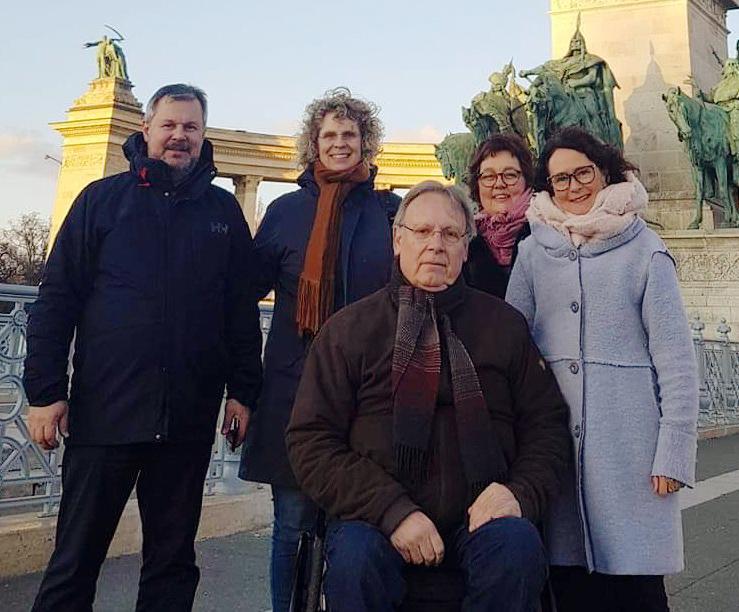 Wenche Dahle (t.h.) i Budapest